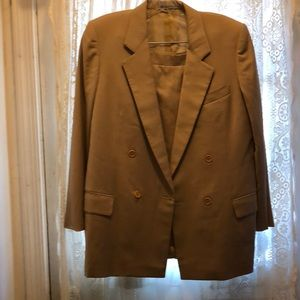 BURBERRY'S-TAN WOOL GABARDINE LIGHTWEIGHT